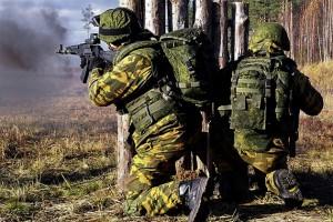 """Росія підготувала """"партизанів"""" і снайперів для дій на Донбасі — розвідка"""