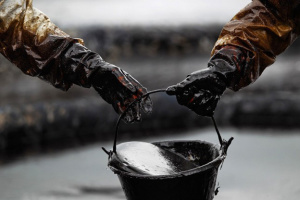Білорусь обмежила експорт бензину через погану якість російської нафти