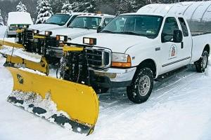 Канаду засыпает снегом: отменены рейсы, остановлено движение