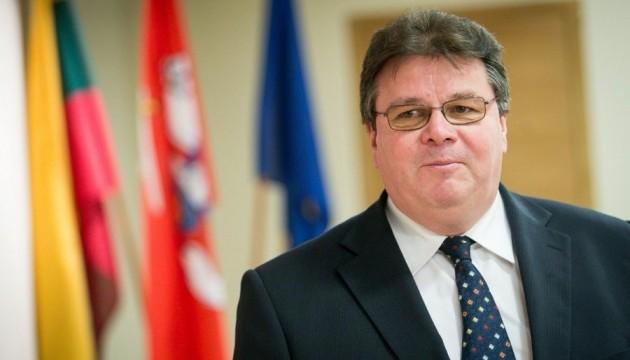 Литва закликає посилити санкційний тиск на РФ