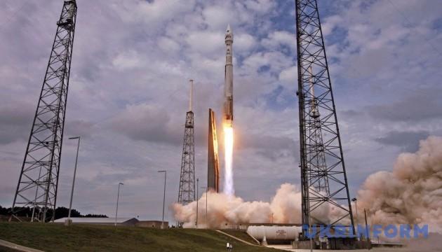 Франція запустила ракетоносій Vega з українським двигуном