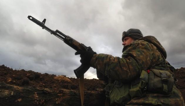 Волонтери й АТОшники з Рівненщини просять дозволу їздити в ОРДЛО зі зброєю