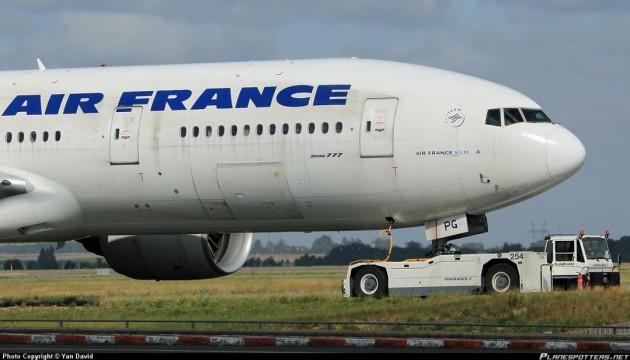 Спасение пассажиров самолета - во Франции заинтересовались изобретением украинца