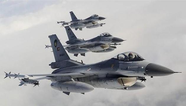 Авіаудари Туреччини створили небезпеку для сил США в Сирії й Іраку – Держдеп