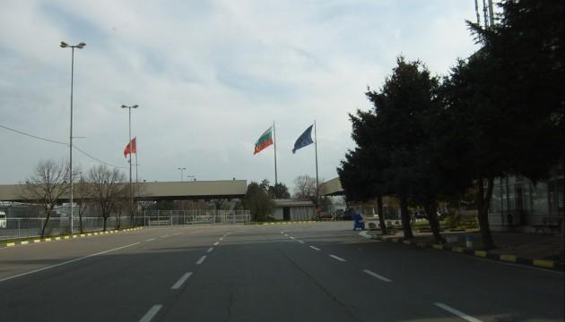 Border guards say: one person privatized land at the EU-Transcarpathian Border