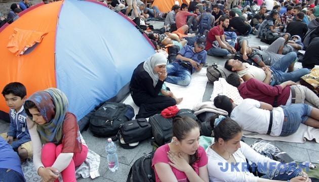 В Сербии десятки мигрантов перевели в спеццентры