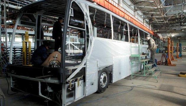 Українське автовиробництво у I півріччі скоротилося на 24%