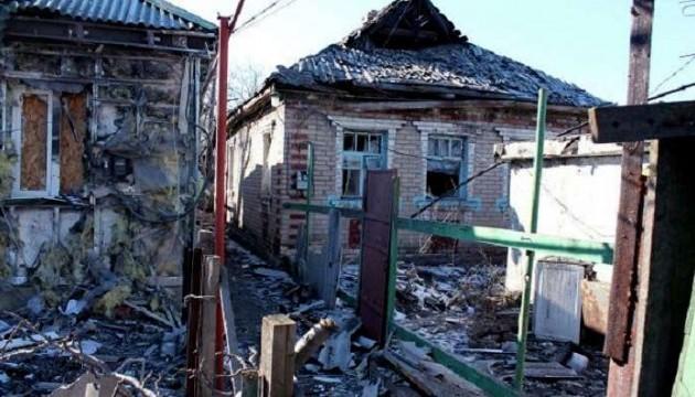 Бойовики відкрили прицільний вогонь по будинках під Маріуполем