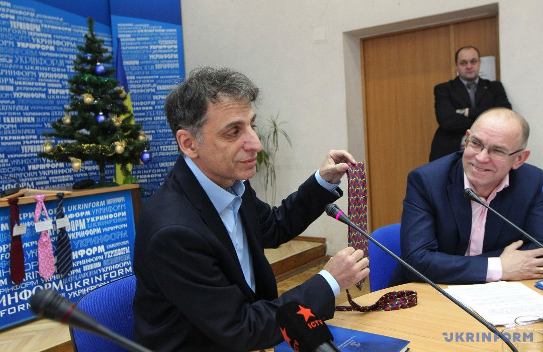 Еліав Бєлоцерковські (зліва), Олександр Харченко