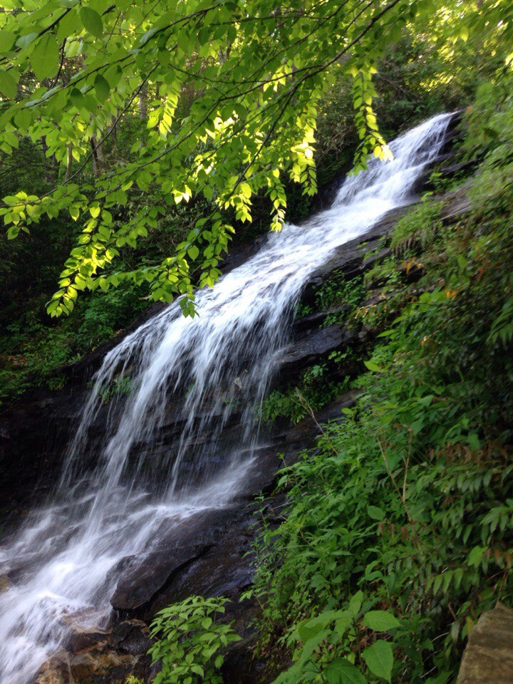 Водоспад Upper Creek Falls  у «Блакитному хребті»