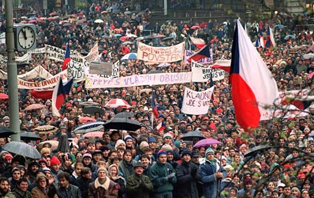 Оксамитова революція в Чехословаччині