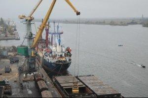 Перевалка грузов в портах впервые за 11 лет достигла 150 миллионов тонн