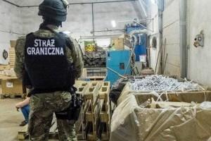 В Польше обвинили украинцев в нелегальном производстве сигарет