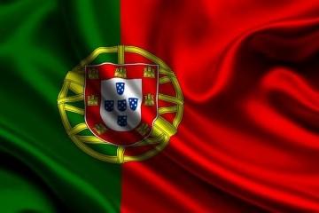 Португалія відкриває невеликі крамниці, перукарні та автосалони