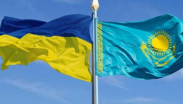 Украина и Казахстан введут цифровые разрешения на автоперевозки