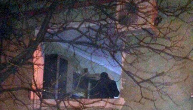 Вибух у Маріупольській квартирі: є постраждалі