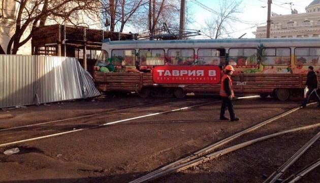 В Одесі трамвай зійшов з рейок: загинув перехожий