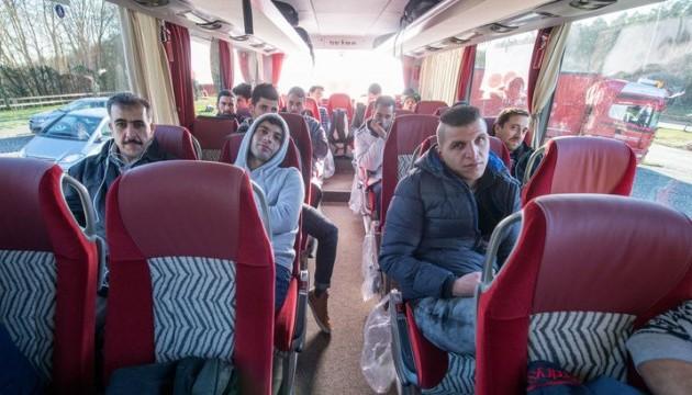 Німеччина призупиняє депортацію афганців