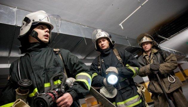 У житловому будинку на Донеччині стався вибух, є постраждалі