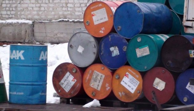 На Черкащині виявлено нелегальні заправки, які торгували