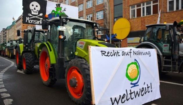 Тисячі тракторів блокували вулиці у Гамбурзі