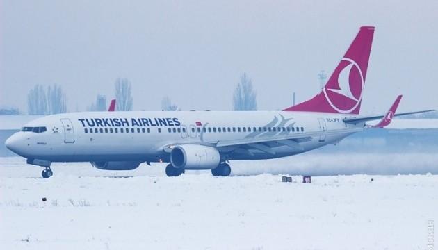 Самолетам в одесском аэропорту недоливали топливо - СМИ
