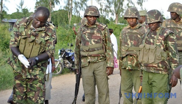 Смертник у Сомалі підірвав авто на військовій базі