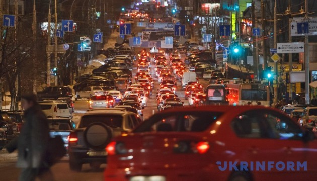 Затори в Києві сягнули 10 балів