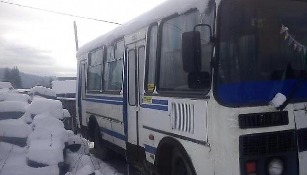 Во Львове перевернулся пригородный автобус