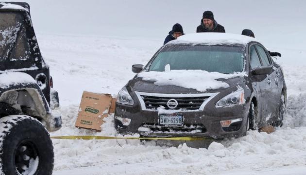 Снігова стихія в США паралізувала одразу кілька штатів