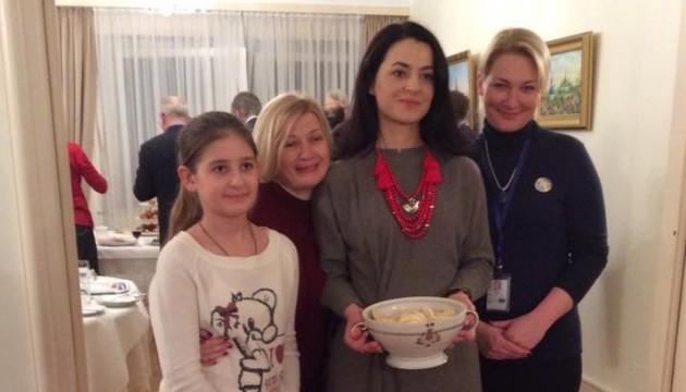 Як українська делегація в ПАРЄ варениками пригощала