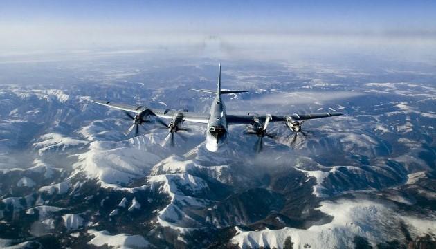 Истребители США перехватили два российских бомбардировщика возле Аляски
