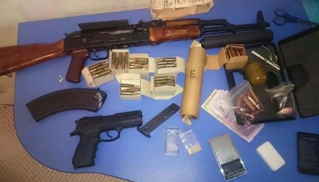 Торгівці зброєю отримували свій товар з Донбасу
