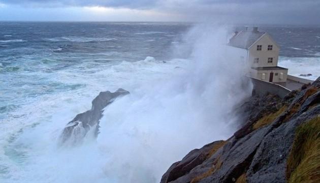 У Британії вирує шторм «Доріс»