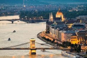 Угорщина продовжить суворий карантин до 15 березня