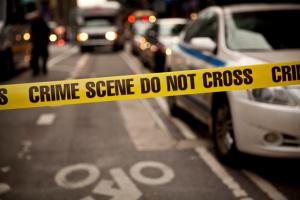 В США полиция застрелила мужчину, ударившего ножом нарушителя масочного режима