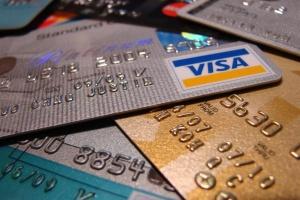 НБУ підрахував, як часто українці користуються платіжними картками