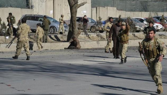 У Кабулі біля будівлі поліції підірвався смертник