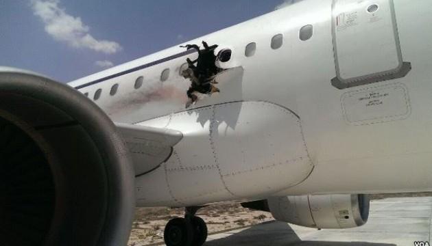 США сказали, хто міг скоїти теракт на борту сомалійського літака