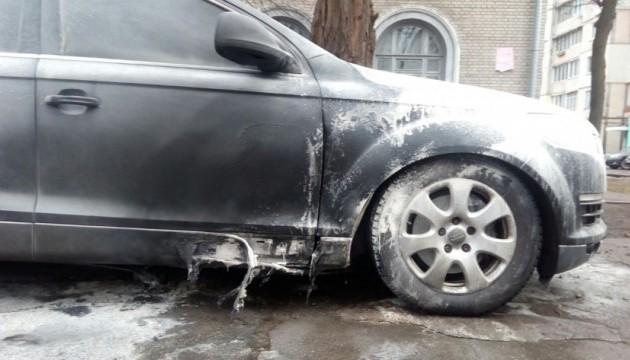 Адвокату підозрюваних у справі Бузини підпалили авто - нардеп