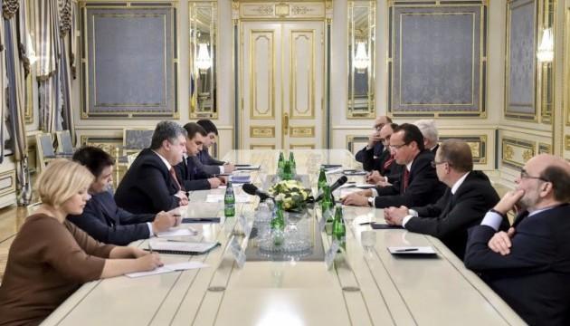 Президент обговорив санкції проти РФ з делегацією Бундестагу