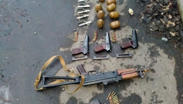 В Авдіївці знайшли зброю, викрадену з міліції в 2014-му