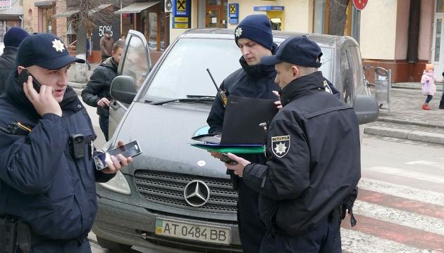 """Віднині штрафи за порушення ПДР - до 40 тисяч. За """"п'яне"""" водіння хочуть саджати"""