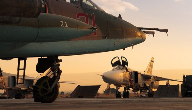 Російську авіабазу в Сирії обстріляли: знищено 7 літаків
