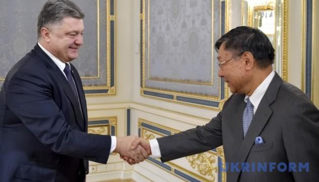 Керівництво України запевнило послів G7 у єдності навколо реформ