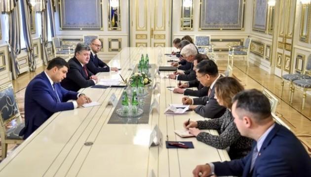 Poroschenko: Regierung benötigt Neustart