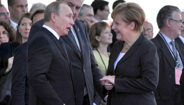 Путін і Меркель обговорили Донбас, Карабах та вакцини