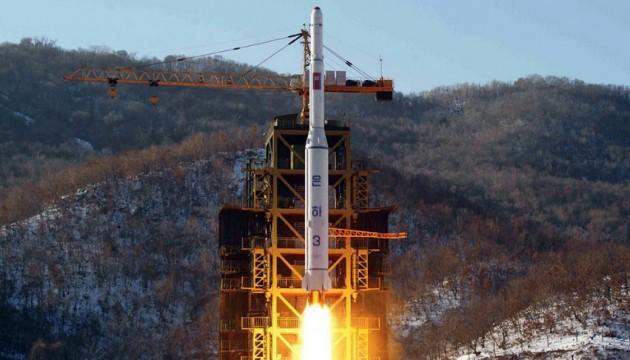 КНДР готується запустити нову міжконтинентальну балістичну ракету