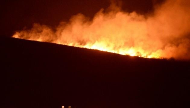 Під Львовом спалахнула велика пожежа