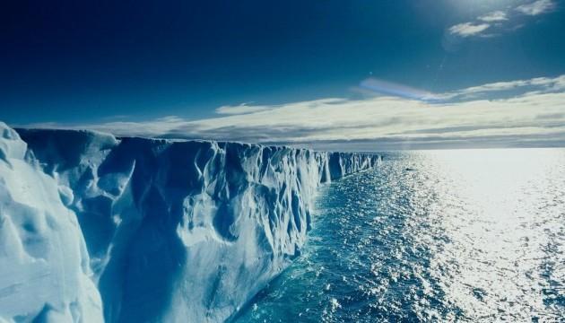 Учені виявили сліди бактерій в арктичному та антарктичному снігу